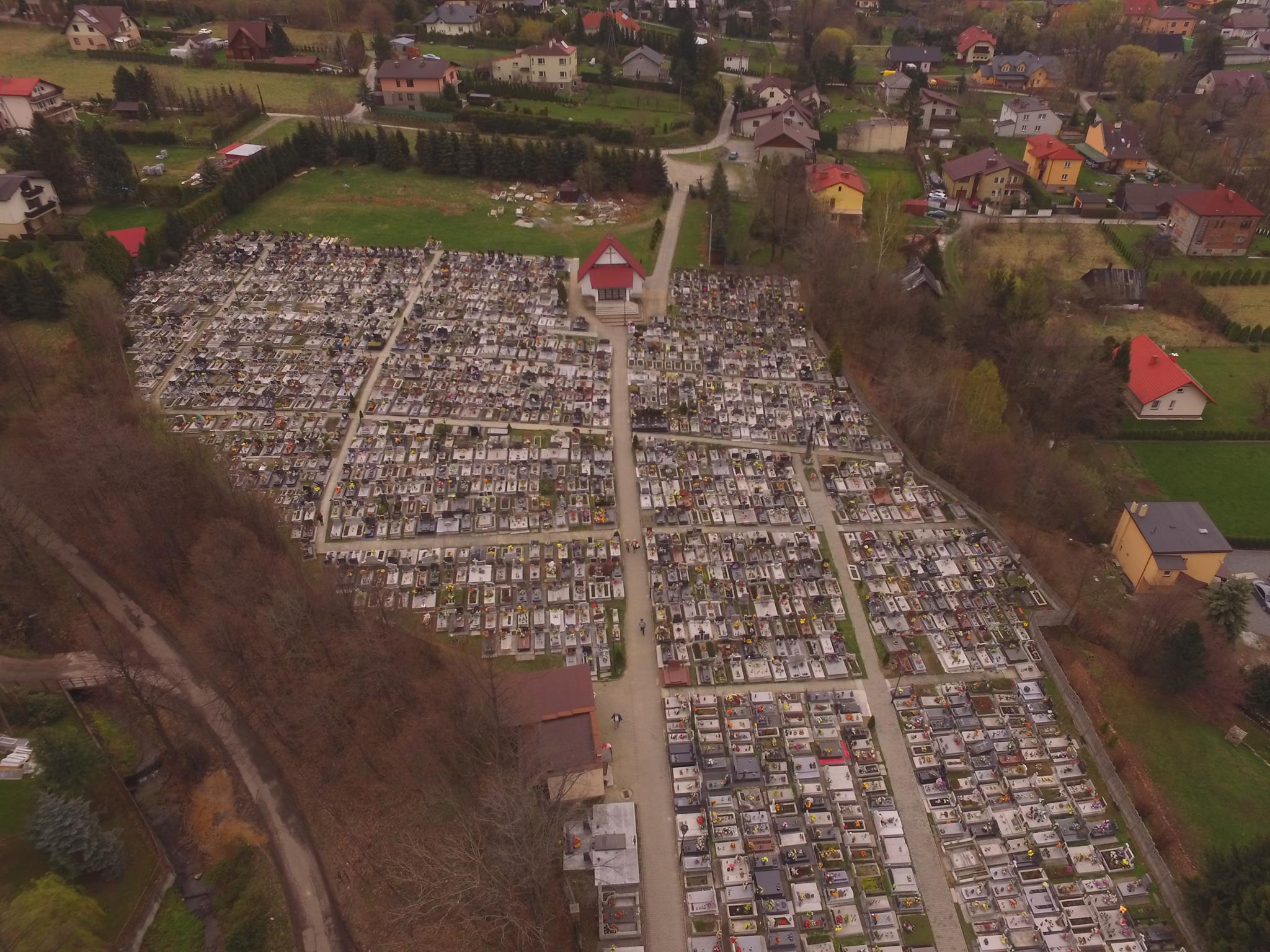 Internetowy rejestr grobów cmentarza parafialnego